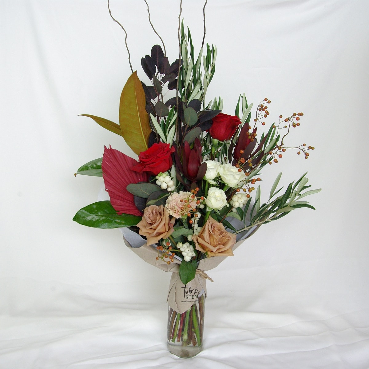 twine-and-stem-valentines-day-bouquet-2021