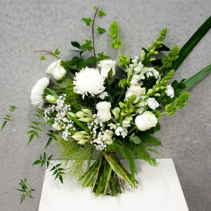twine-and-stem-classic-white-bouquet