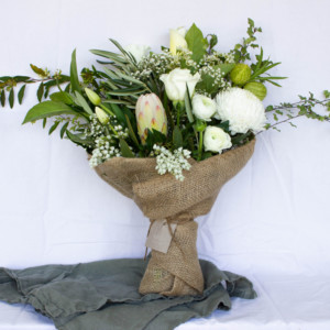 twine-and-stem-white-elegance-featured